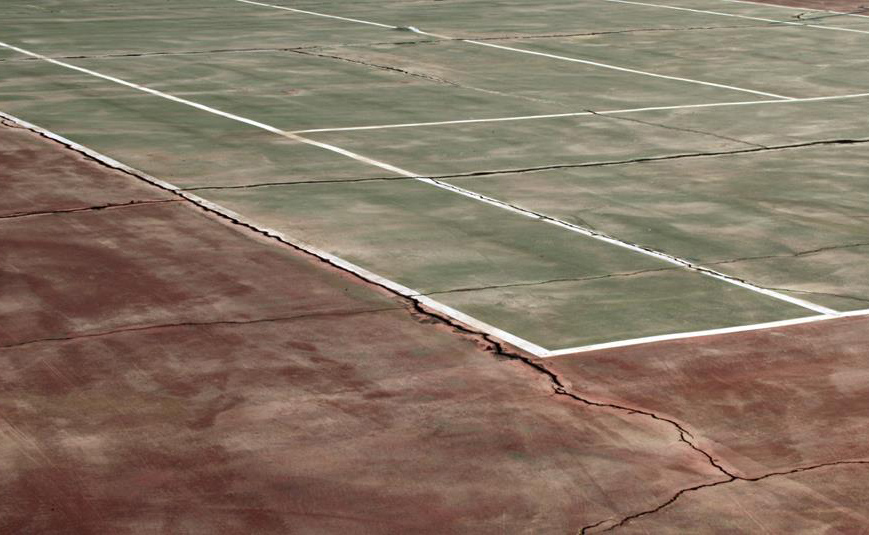 tennis court cracks